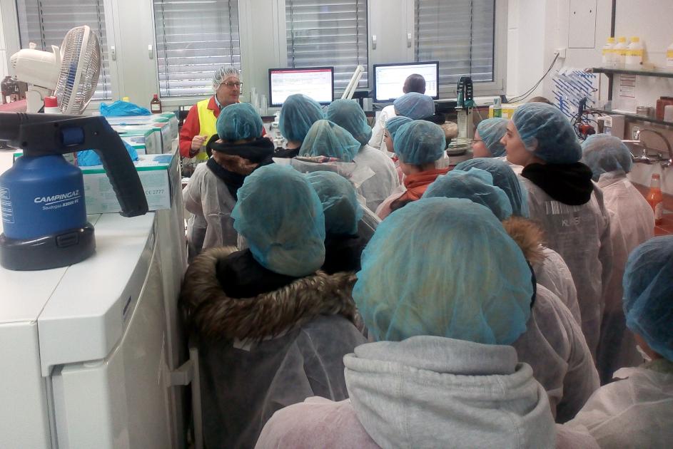 Schüler der Geschwister-Scholl-Oberschule Vechta besuchte das KURSZukunft-Partnerunternehmen Valensina